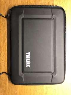 🚚 Thule Gauntlet 3.0 保護套 (適用於 MacBook Pro Retina 15 吋)