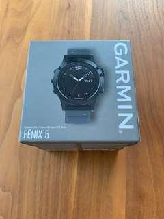 Garmin Fenix 5 sapphire edition GPS watch