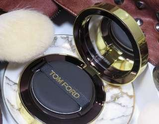 TOM FORD Traceless Touch Foundation Refill Satin-Matte Cushion Compact