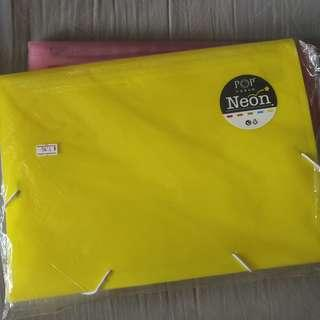 🚚 Neon yellow divider file