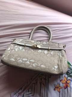 Women fashion handbag