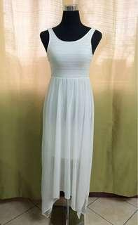 H & M Pretty White Flowy Dress