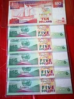 Singapore ship $5 sn.A/70446611,446622,446633,446644& 446655, 5 pcs in superb gem unc plus a $10 in EF with sn 222288 total 6 pcs.