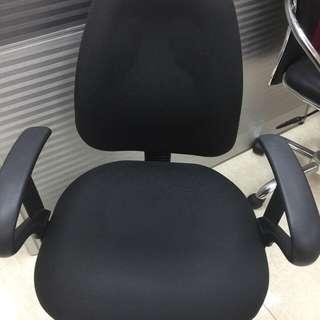 厚料電腦椅
