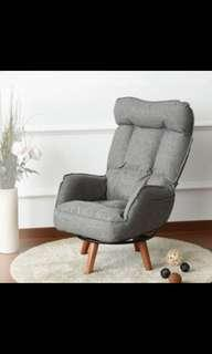 Swivel Lounge Arm chair