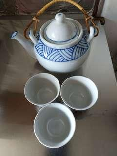 Japanese Tea pot with 3 cup