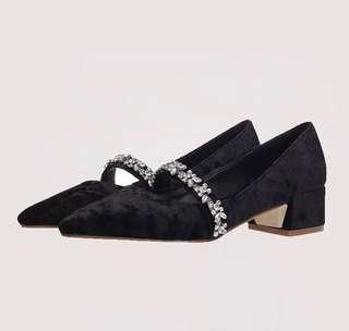 ㄧ字水鑽低跟尖頭絲絨布面復古瑪莉珍鞋 4公分 穿不到5次 9成新 原價一千多