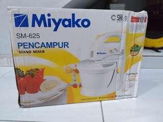 Miyako stand mixer