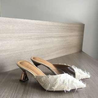 Soeurs feather vinyl slip heels cream