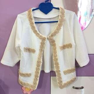 White cardigan short sleeves (cardigan putih lengan pendek)