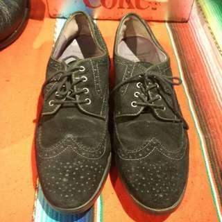 Sepatu hushpuppies x anna sui wingtip brogue