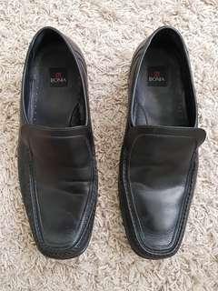 Bonia leather shoe