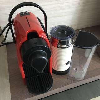 Nespresso Inissia Ruby Red + Aeroccino3 Milk Frother White