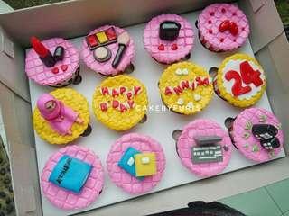 Cupcakes Custom isi 12 cup - Birthday Cake - Cupcakes Fondant 2D/3D- TANGERANG