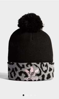 🚚 Adidas originals 毛帽