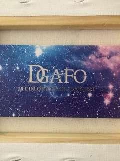 DGAFO 18 Color Eyeshadow Palette (DAMAGED)