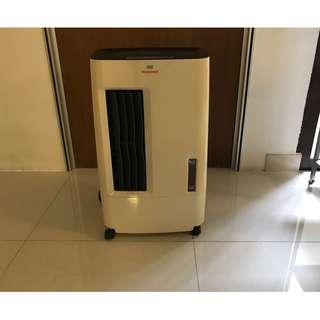 Honeywell portable air cooler with remote control