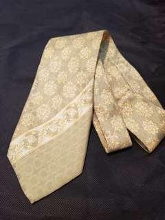 Versus 黃色花紋Tie