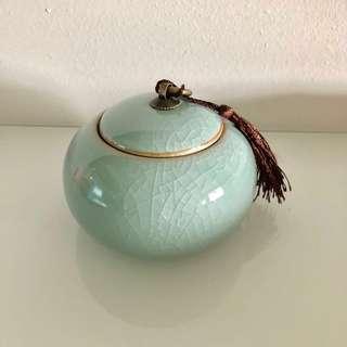 Tea Leaf Container