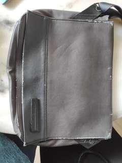 Leather Bag calvin klein - negotiable