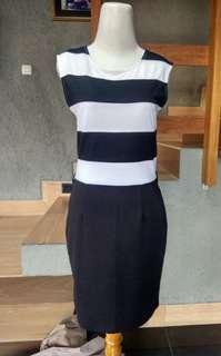 Preloved Dress salur hitam putih