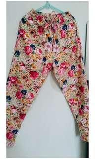 Celana Panjang Floral