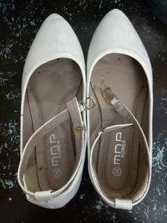 White Flat Close Shoes Size 36
