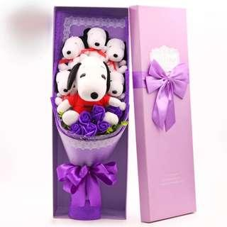 🚚 Snoopy Bouquet for V'day