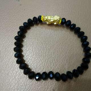 Gelang emas Piksiu