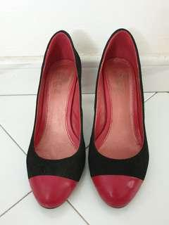 Gripz Black and Red Heels