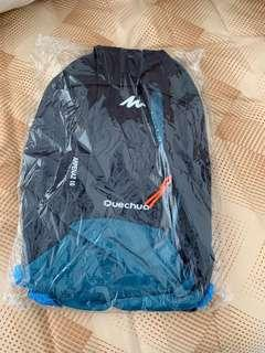 Quechua small bag. Suitable for runners.