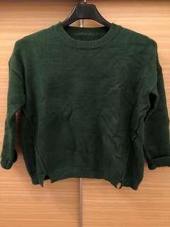 🚚 降價🧚♀️墨綠短版毛衣