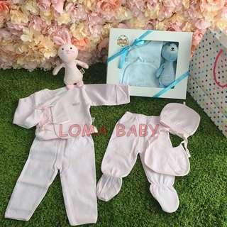 🚚 台灣包裝現貨 純棉 新生兒 寶寶嬰兒 彌月禮盒 滿月禮盒 上衣可包手二用 加贈安撫搖鈴