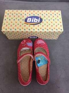 Children Shoes 女童真皮鞋,全新, 尺寸:EUR 34
