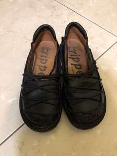 🚚 trippen 經典款鞋