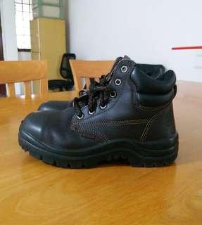 Howler Safety Boots