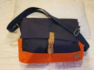 Levis Sling Bag / Messenger Bag