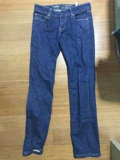Levi's Jeans - Waist 26 Length 32 - Like new, prices to sell!