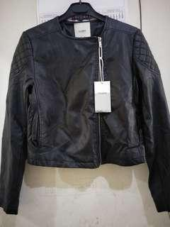Jacket pull and bear size M