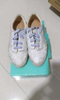 Lace Lynelle Sneakers