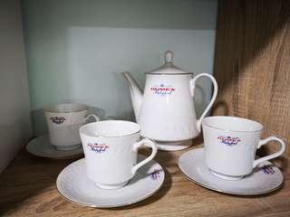 Classic Dumex English Teapot cup saucer set