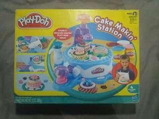 Play Doh Cake Makin' Station