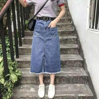 Rok jeans model high waist belahan depan