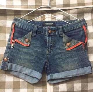 🚚 設計短褲