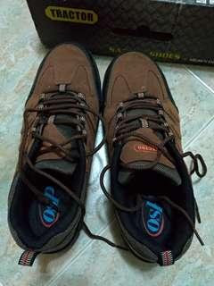 Brand New Safety Shoes *moving out sale*