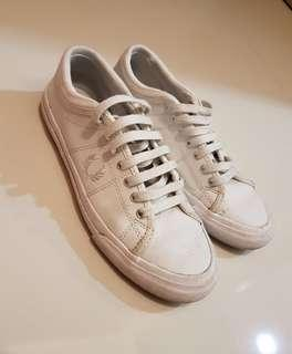 Fred Perry white sneakers