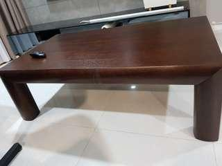 Excellent condition coffee table set