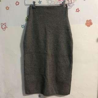 🚚 深灰氣質針織後開叉窄裙