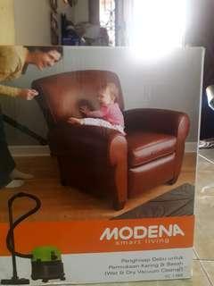 Modena Vacuum Cleaner VC 1350