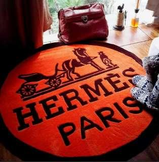 Instock Hermes Glam Queen Carpet